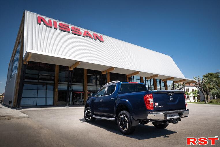 В Украине стартуют продажи обновленного Nissan Navara